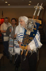 Simchat_Torah_2005_9.jpg